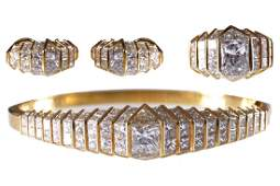 SUITE OF 18CT GOLD AND DIAMOND JEWELLERY