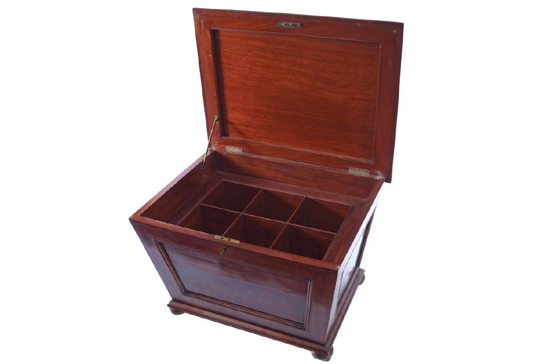 WILLIAM IV MAHOGANY WINE CELLARETTE