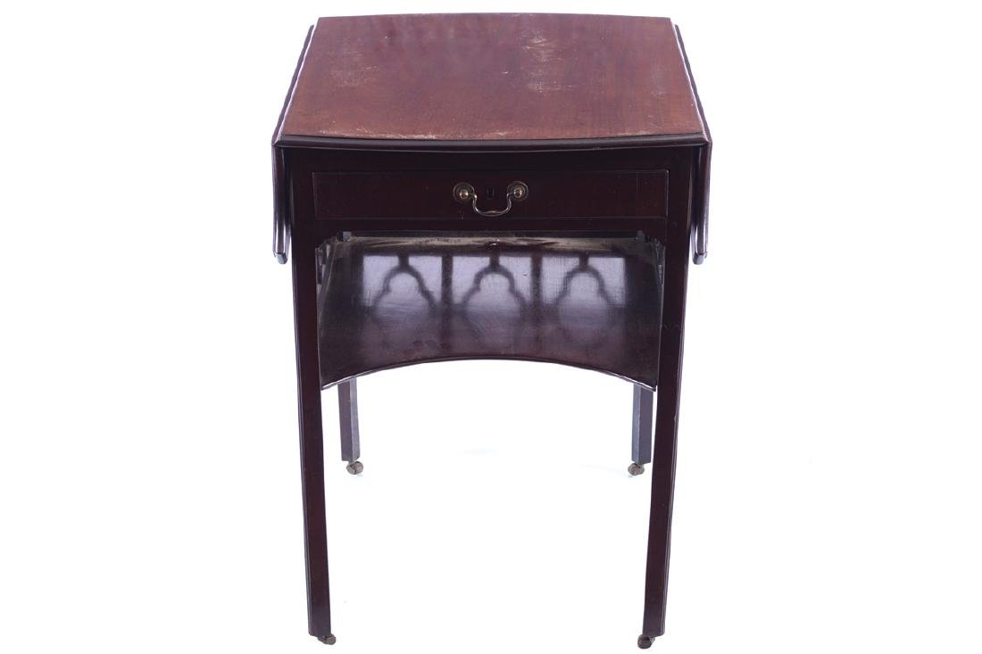 EIGHTEENTH-CENTURY PERIOD CHIPPENDALE PEMBROKE TABLE,