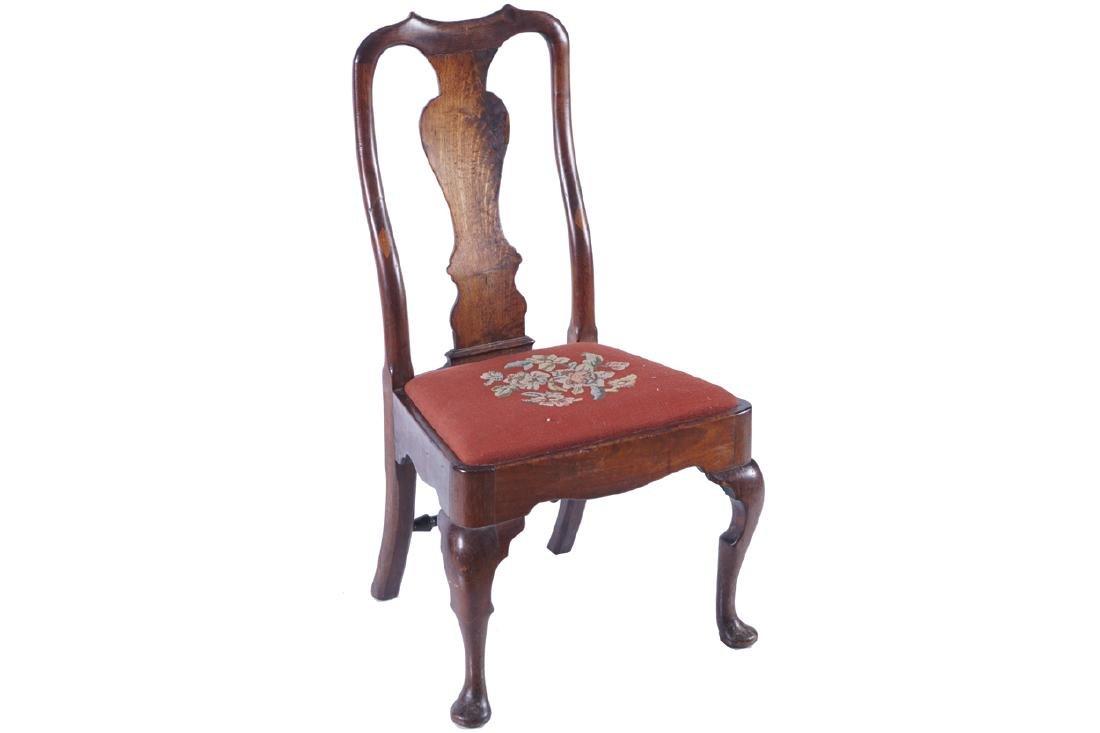 QUEEN ANNE PERIOD WALNUT SIDE CHAIR, CIRCA 1700