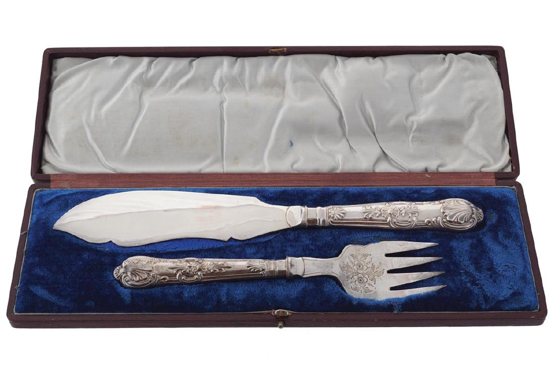 CASED SHEFFIELD PLATED FISH SERVERS