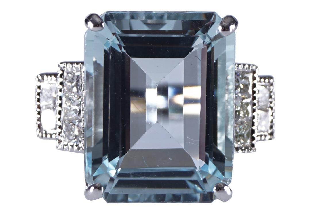 18 CT. WHITE GOLD AQUAMARINE (7.07 CARAT) AND DIAMOND