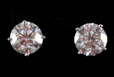 18 CT. WHITE GOLD DIAMOND  (6.12 CARAT) STUD EARRINGS