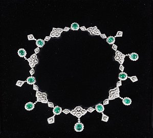 PLATINUM, WHITE GOLD AND COLUMBIAN EMERALD NECKLACE