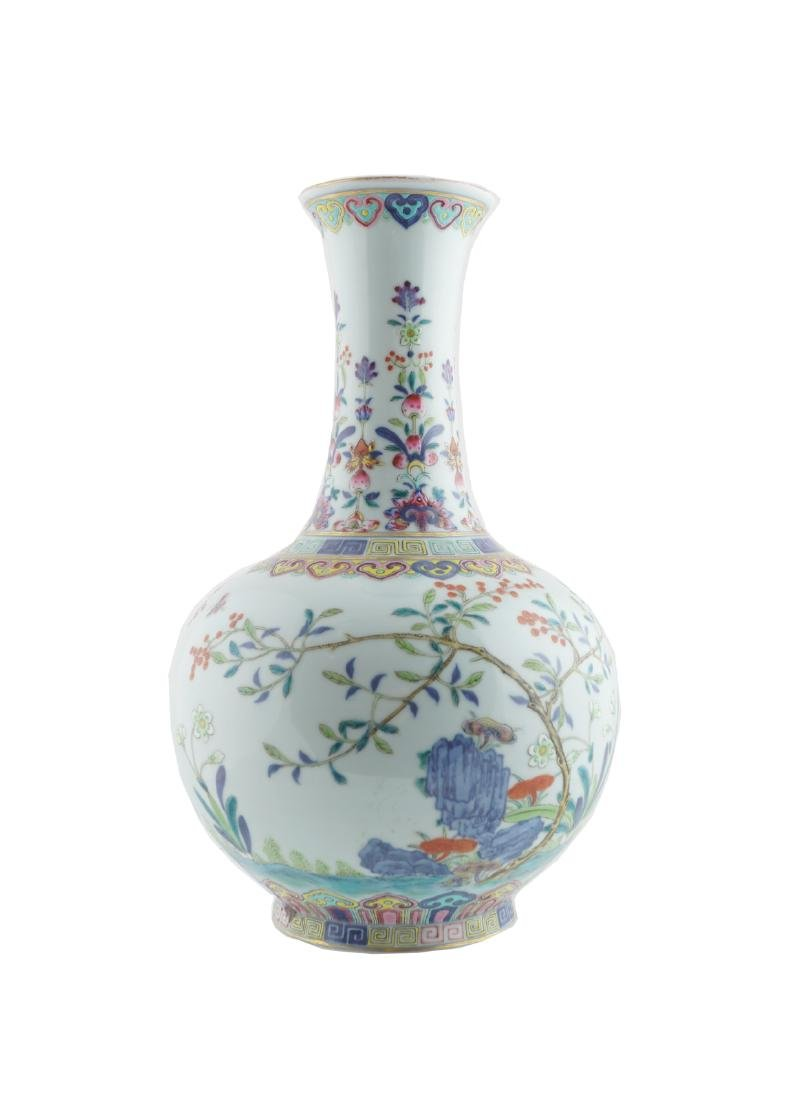 CHINESE QING PERIOD POLYCHROME BOTTLE SHAPED VASE - 7