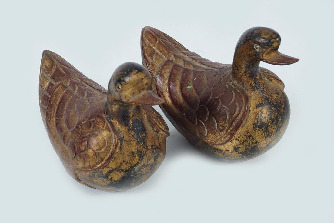 PAIR OF EARLY CHINESE CARVED WOOD DUCKS - 2