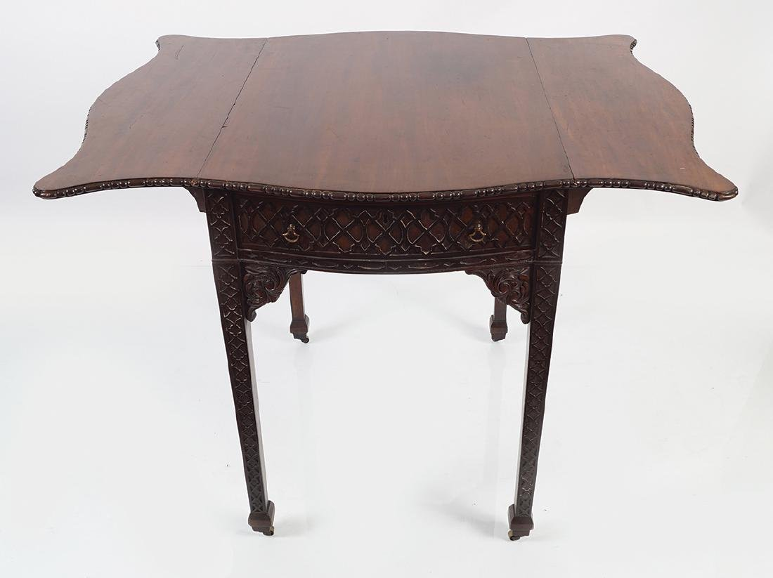 GEORGE III MAHOGANY CHIPPENDALE PEMBROKE TABLE - 4