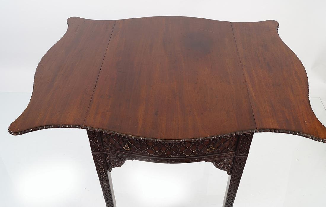 GEORGE III MAHOGANY CHIPPENDALE PEMBROKE TABLE - 5
