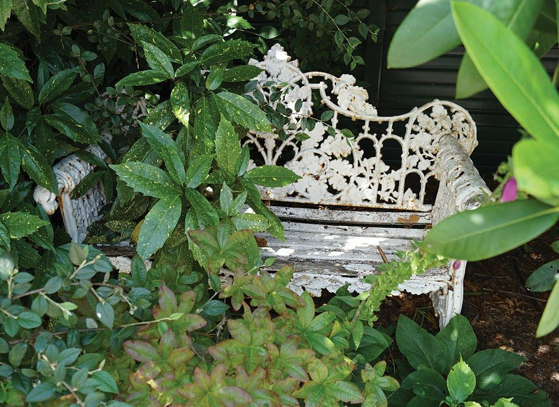 HEAVY CAST IRON GARDEN BENCH