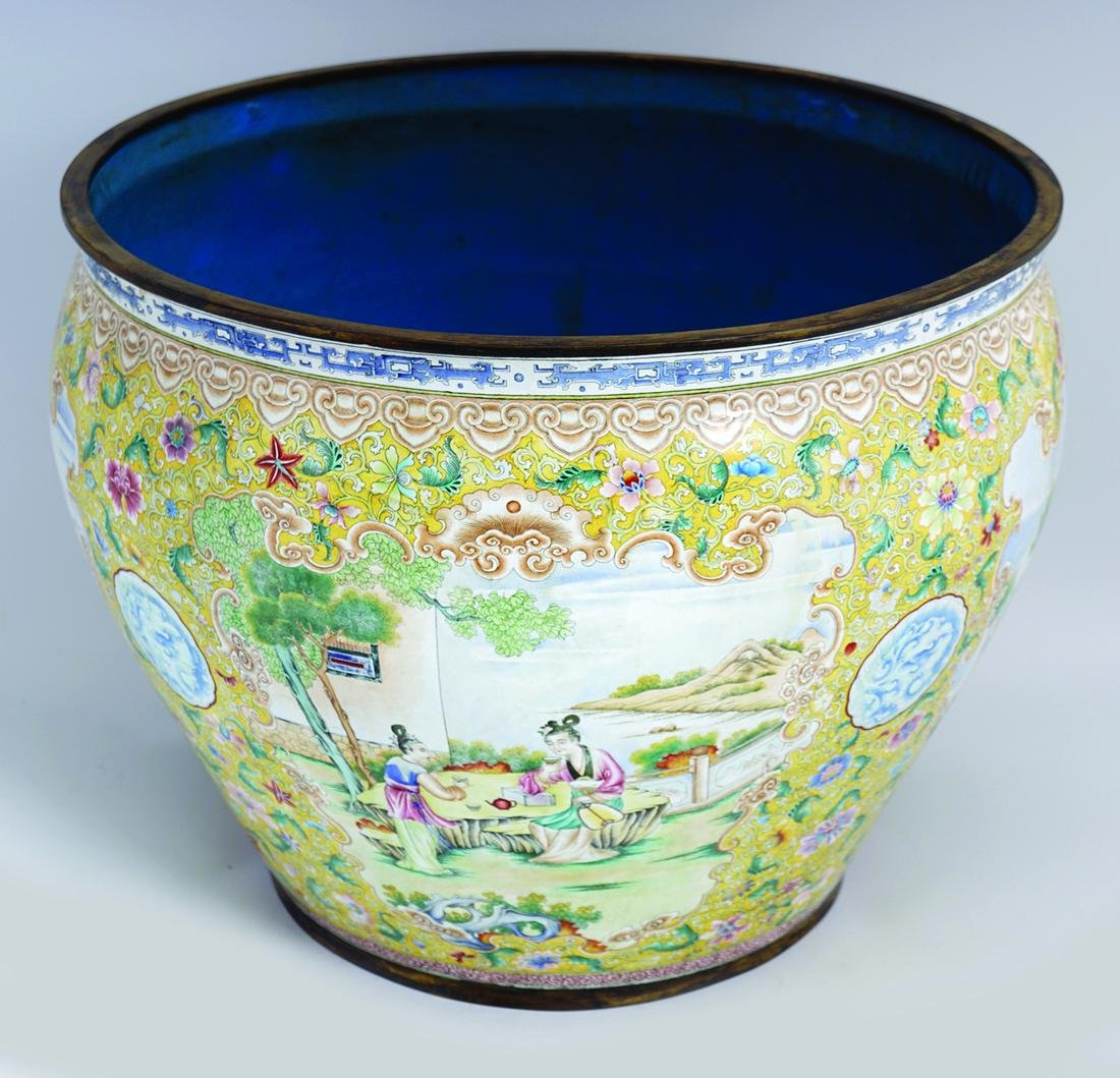 CHINESE QING PERIOD CANTON  ENAMELLED JARDINIERE