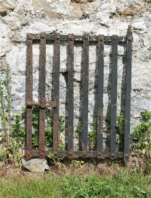 SMALL VICTORIAN CAST IRON GATE