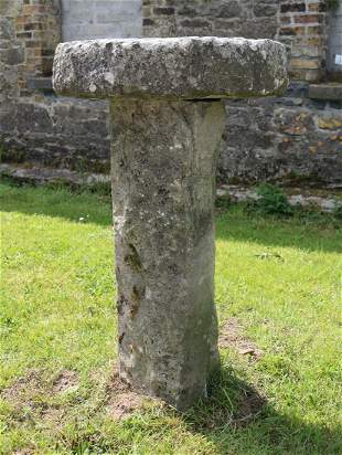 18THCENTURY IRISH STADDLE STONE