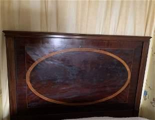 EDWARDIAN MAHOGANY AND SATINWOOD BED