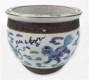 CHINESE QING BLUE AND WHITE JARDINIERE