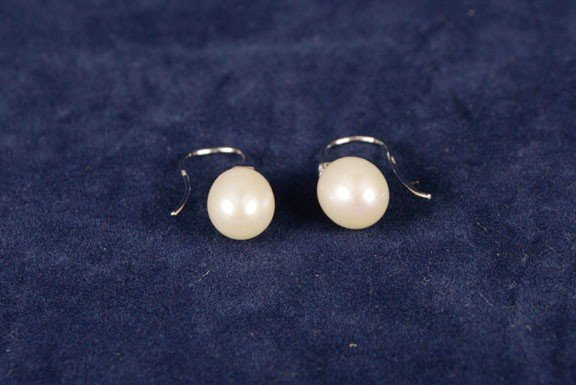 5: 18ct pearl and diamond drop earrings