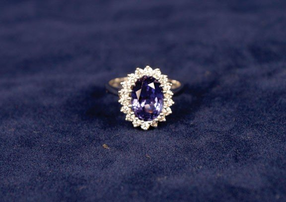 113: 18ct white gold Tanzanite and diamond ring