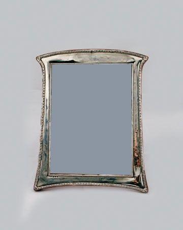 541: Art Nouveau silver photo frame