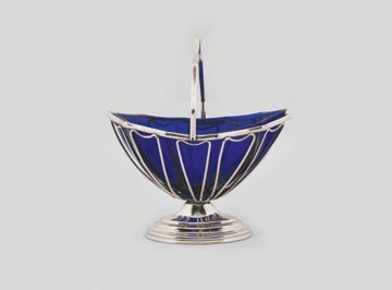 618: Silver plated bobbin basket with blue glass liner