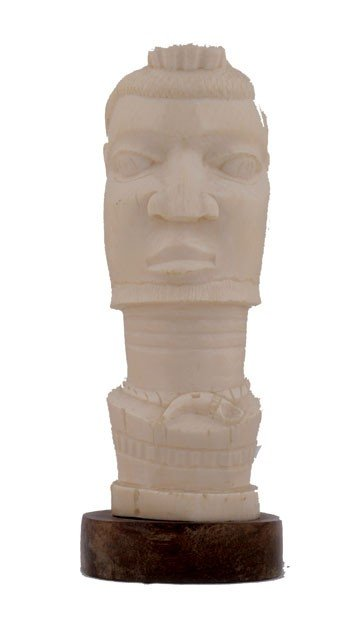 1263: Carved ivory head