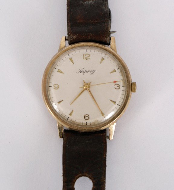 4: Gold gent's wrist watch