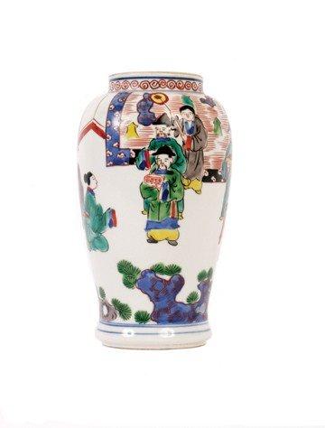 1513: Chinese Wucai vase