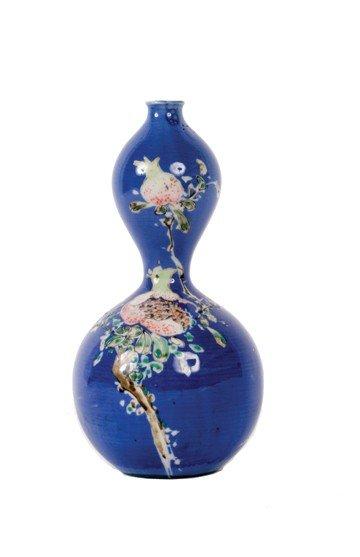 1515: Nineteenth-century Chinese wine gourd vase