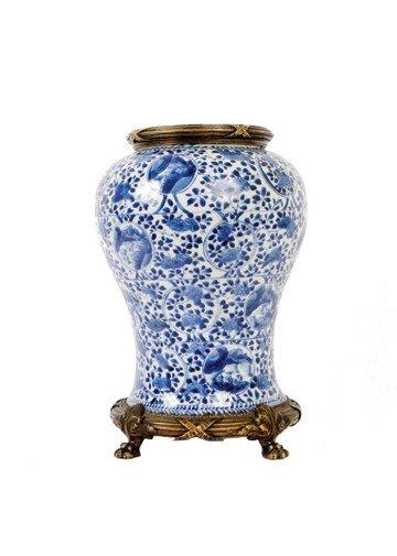 1518: Eighteenth-century Chinese blue and white vase
