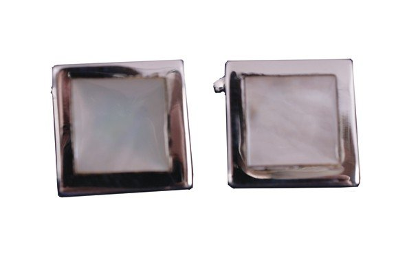 9: Mother o'pearl silver cufflinks in case