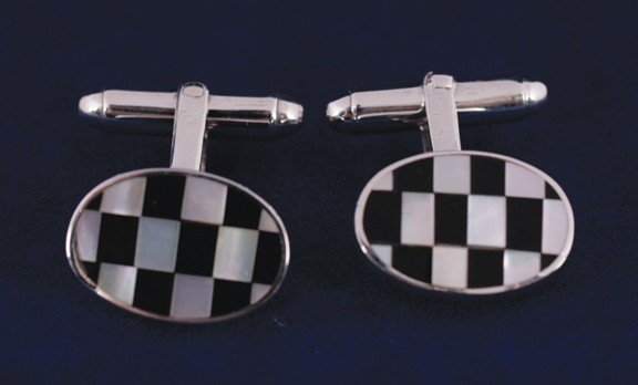 13: Mother o'pearl and onyx silver checker links