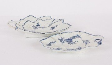 7: Two English eighteenth-century blue and white leaf m