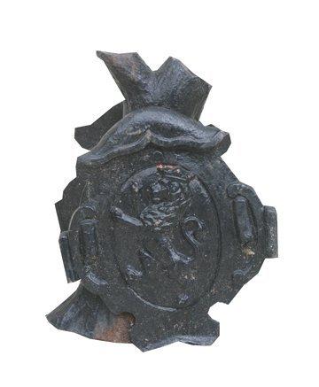 2: Pair of Victorian cast iron pier caps