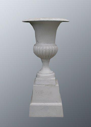 44: Pair of vase shaped cast iron jardinieres