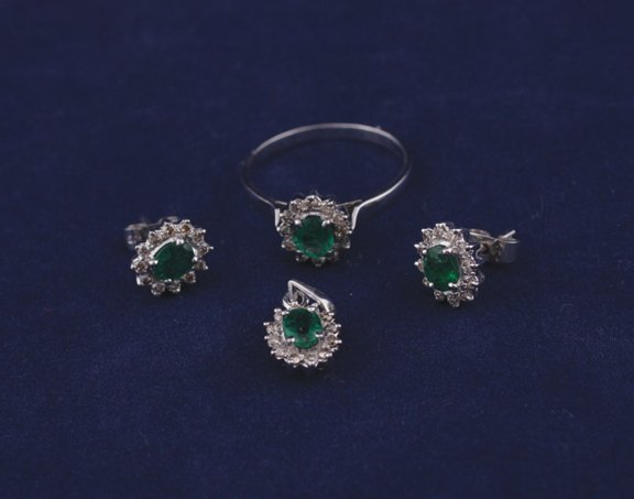 24: Suite of diamond and emerald jewellery