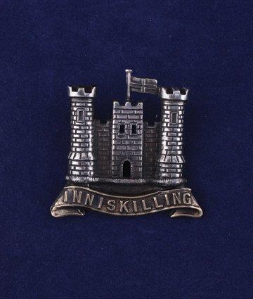 562: Inniskilling Gadroons cap badge