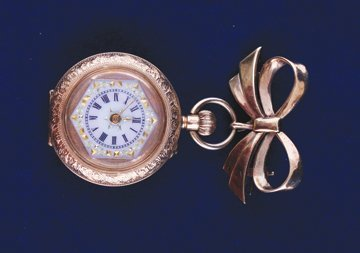 14 ct. gold engraved fob watch