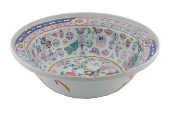 Large mid nineteenth-century famille rose bowl