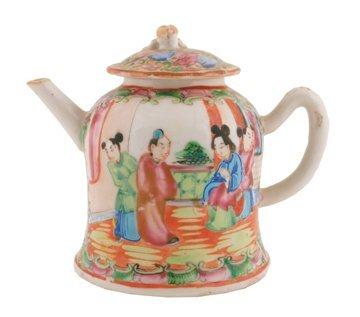Nineteenth-century Chinese Cantonese teapot