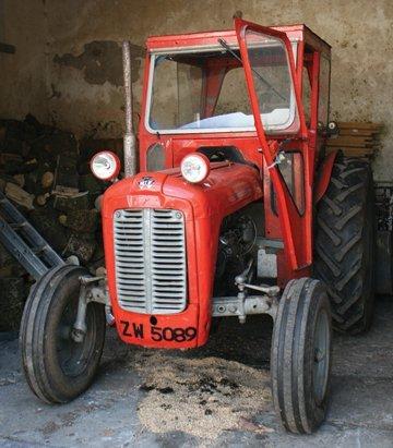 Vintage Massey Ferguson 35, 4-cylinder tractor , - 2