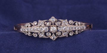 Late nineteenth-century 18 ct. gold and diamond bangle