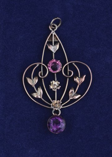 Art Nouveau 9 ct. gold pink stone and amethyst brooch
