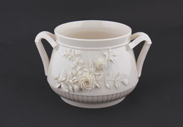 3 rd period Belleek pottery Finner jardinière