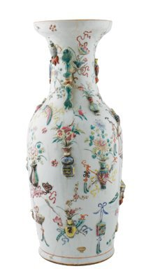 Chinese Qing period famille rose vase