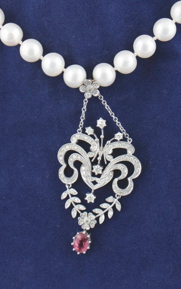 Pearl diamond and tourmaline necklace