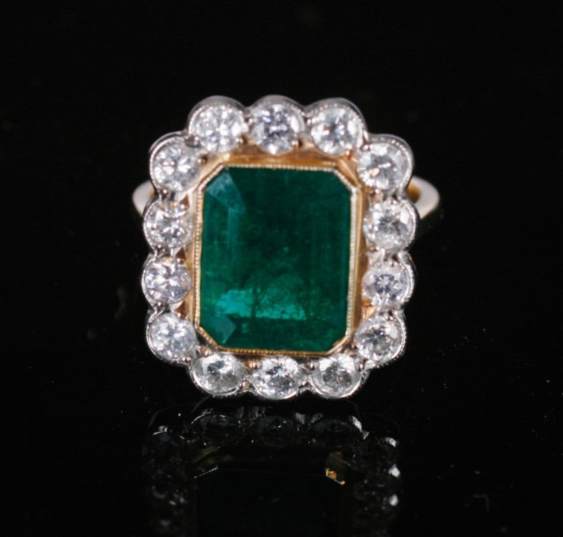 18 ct. yellow gold 1.35 ct. diamond and emerald of 4.55