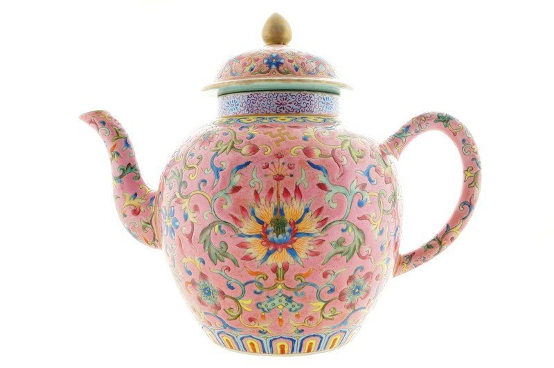 A Chinese famille rose tea pot, late nineteenth century