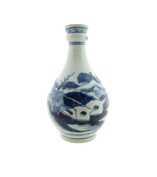 A Chinese blue and white bottle-shaped vase, late