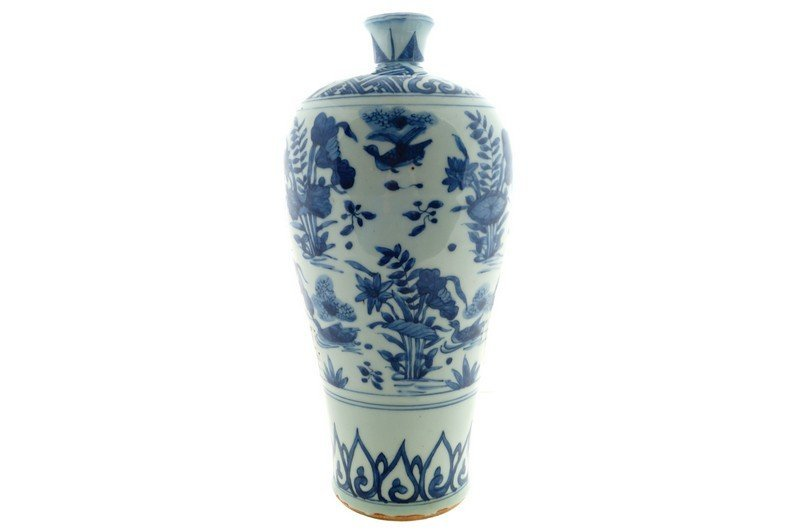 A large blue and white Chinese meiping vase, Wanli