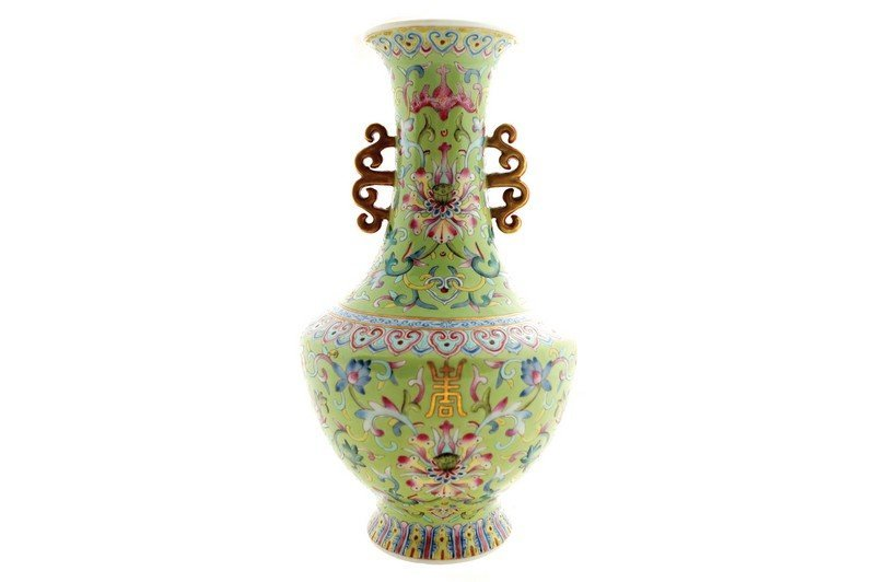 A Chinese famille rose vase, late nineteenth century