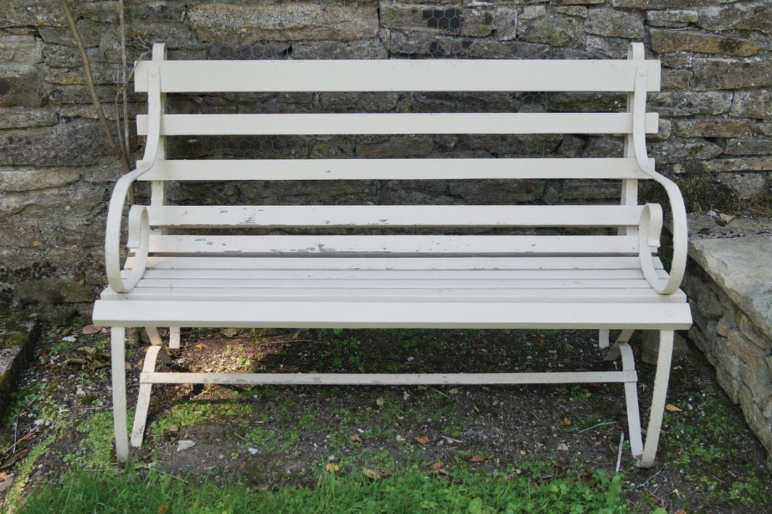 EDWARDIAN CAST-IRON AND WOODEN BENCH