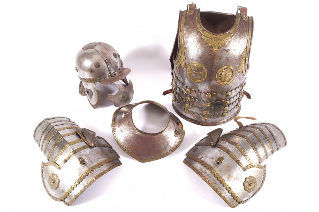 DECORATIVE NINETEENTH-CENTURY SUIT OF ARMOUR